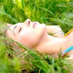 Сон для жінки: фази сну, недосипання і його наслідки, час для сну, як підготуватися до сну і як вибрати подушку