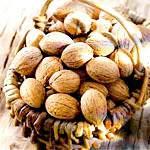 Волоський горіх: склад, користь і властивості волоського горіха