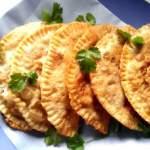 Смачні чебуреки: розкриваємо секрети приготування тіста